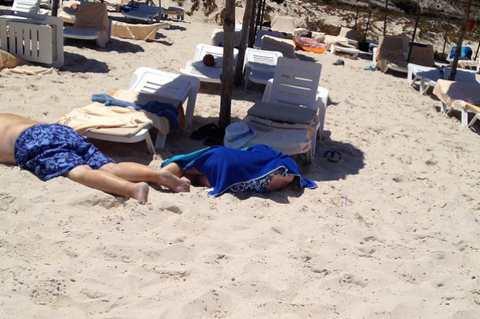 Теракт в Тунисе: автоматчики приплыли на пляж на надувной лодке