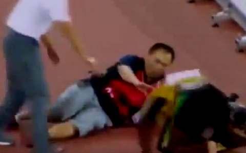 Оператор на сегвее сбил спринтера Усейна Болта после победы на дистанции 200 м
