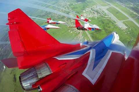 Авиасалон МАКС 2015. Пилотажная группа Стрижи