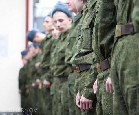 Солдат-срочник в Костромской области застрелил трех сослуживцев, а потом застрелился сам
